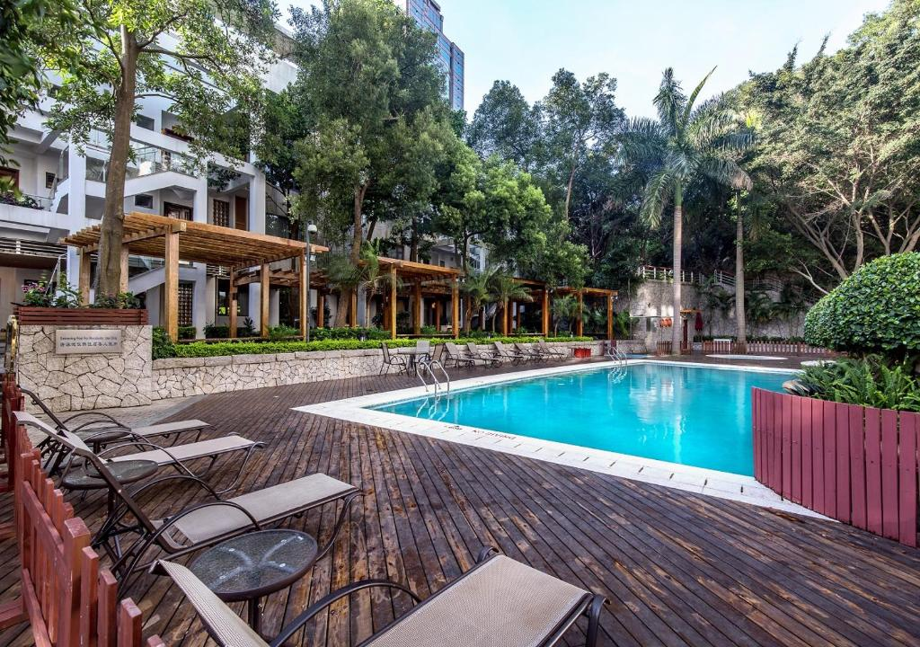 The swimming pool at or near Fraser Place Shekou Shenzhen