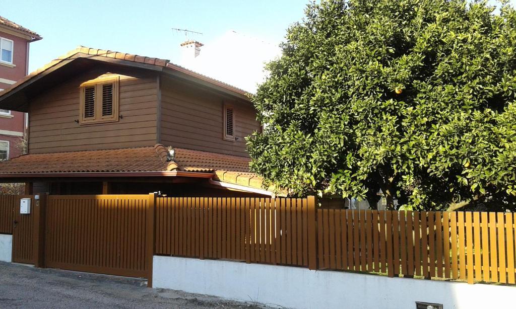 Casa de vacaciones casa de madera (España Cangas de Morrazo ...