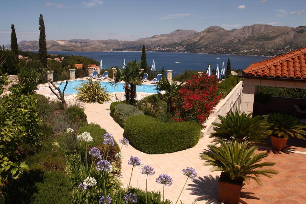 Pogled na bazen u objektu Villa Alegria Cavtat ili u blizini