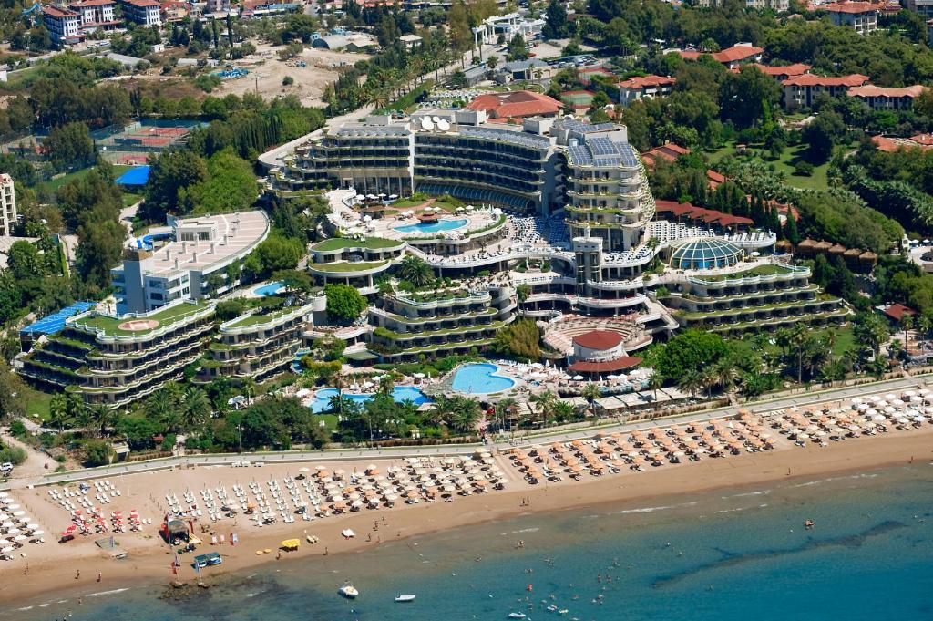 Een luchtfoto van Crystal Sunrise Queen Luxury Resort & Spa
