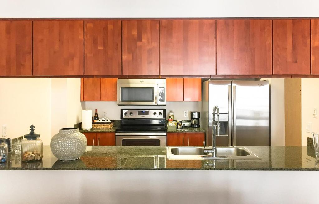 A kitchen or kitchenette at The Club at Brickell Bay