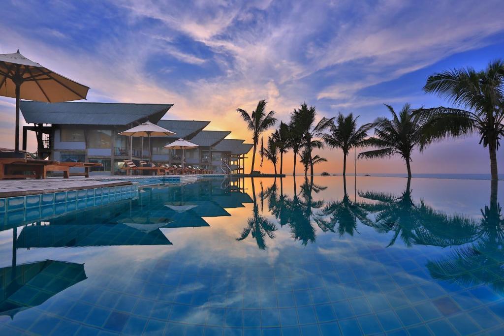 The swimming pool at or near Laya Safari Resorts & Spa