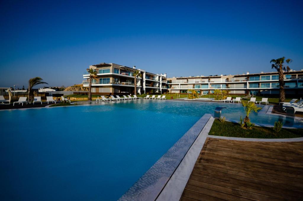 The swimming pool at or near Praia do Sal Lisbon Resort