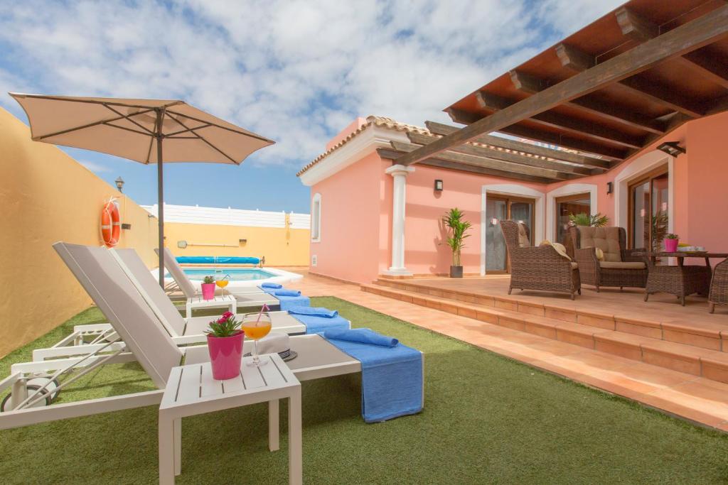 Villa Bella Lucia 1. Piscina Climat, Corralejo, Spain ...