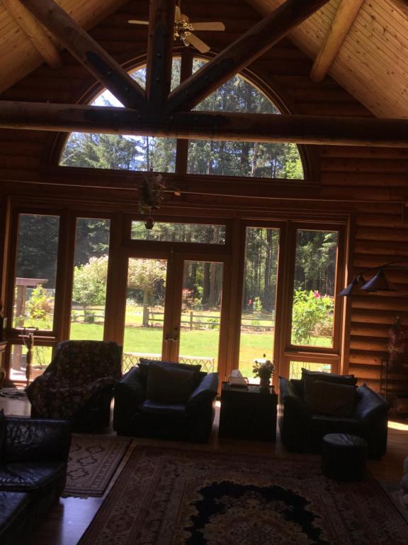 Casa de campo Redwood forest (EE.UU. Crescent City ...