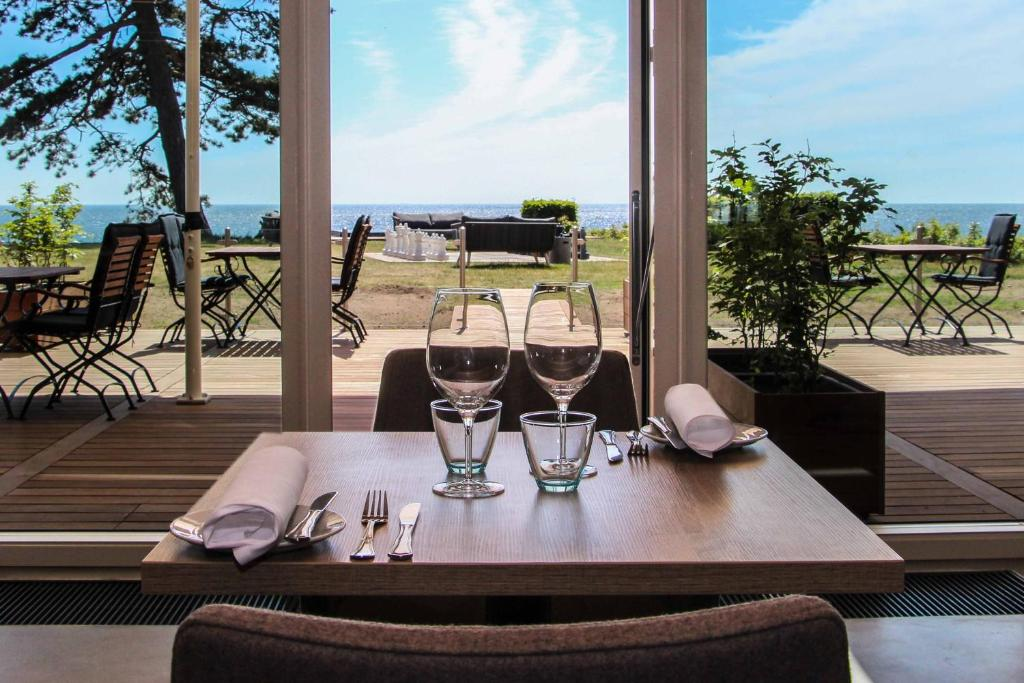 A restaurant or other place to eat at Hotel Fredensborg
