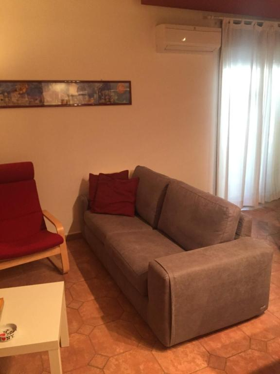 Poltrone E Sofa Castellammare.Apartment Da Max Palermo Italy Booking Com