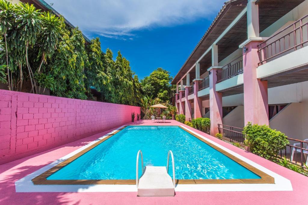 A piscina em ou perto de First Resort Albergo