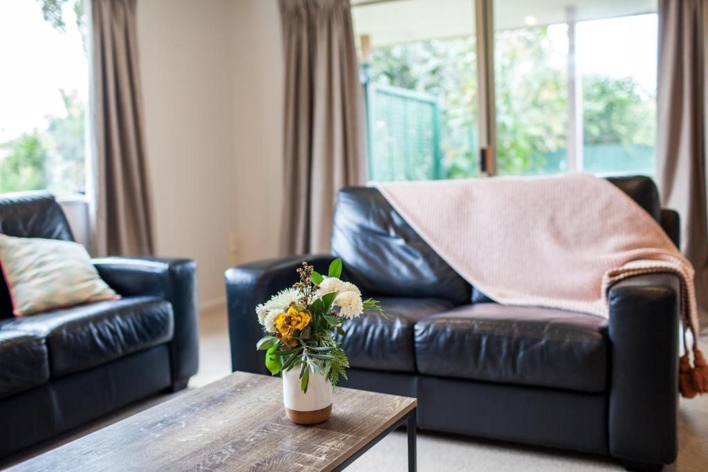 Ruang duduk di Contemporary and Spacious 3 Bedrooms in West Auckland