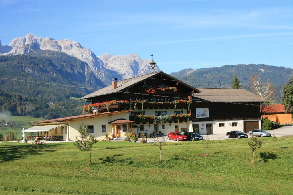 Pfarrwerfen Ferienregion Tennengebirge Salzburgerland auf