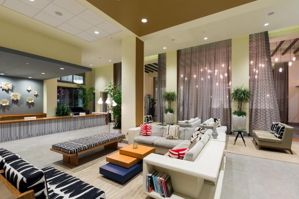 The lobby or reception area at Wyndham Orlando Resort International Drive