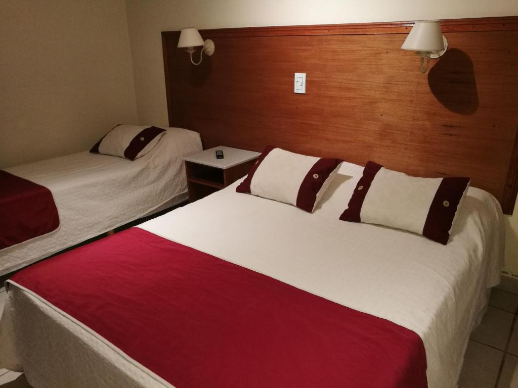 Hotel Francia (Argentina Tandil) - Booking.com