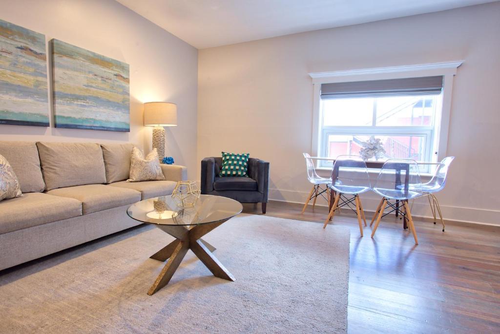 Apartment King Luxury Two Bedroom Suites, Charleston, SC ...