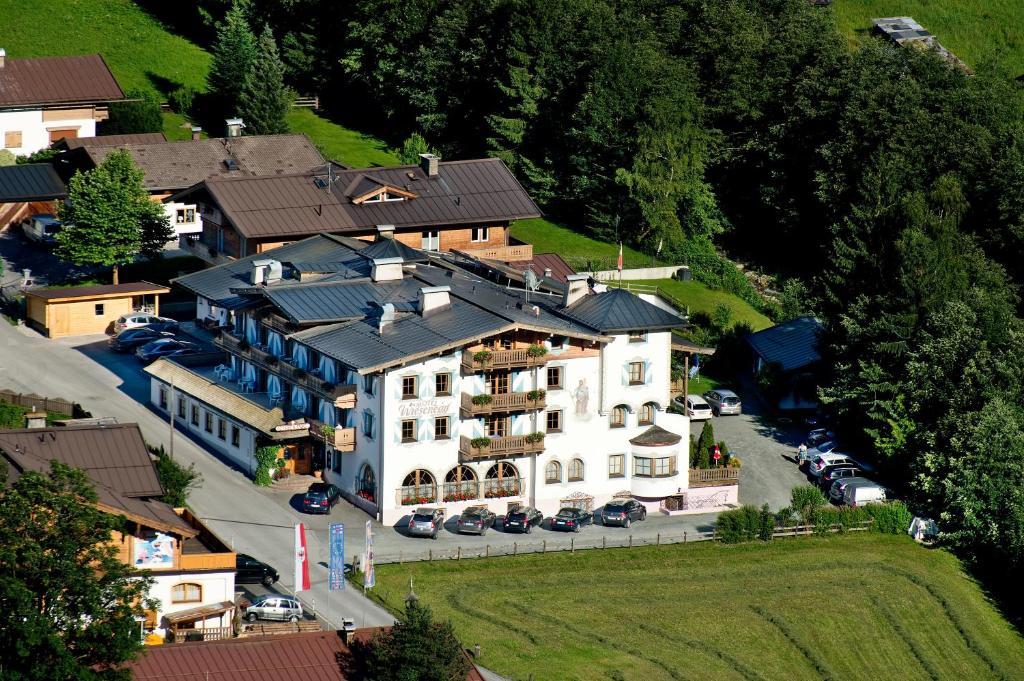 Blick auf Hotel Wiesenegg aus der Vogelperspektive