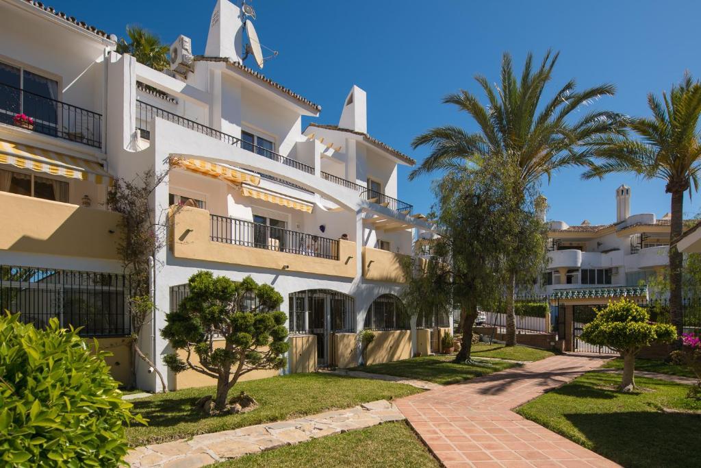 Townhouse Monique Calahonda Canovas, Mijas Costa – Precios ...