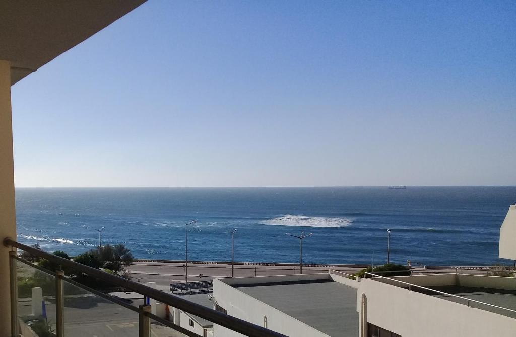 Atlantic Beach-side Apartment