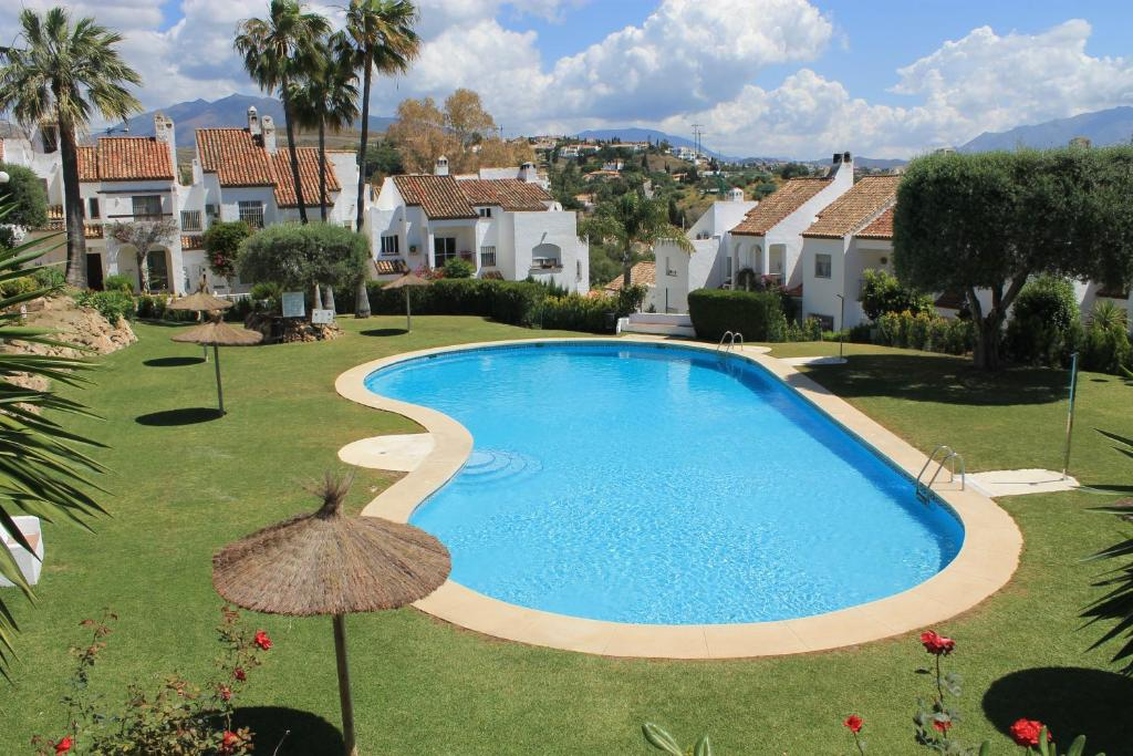 Casa adosada en Estepona, Estepona – Updated 2019 Prices