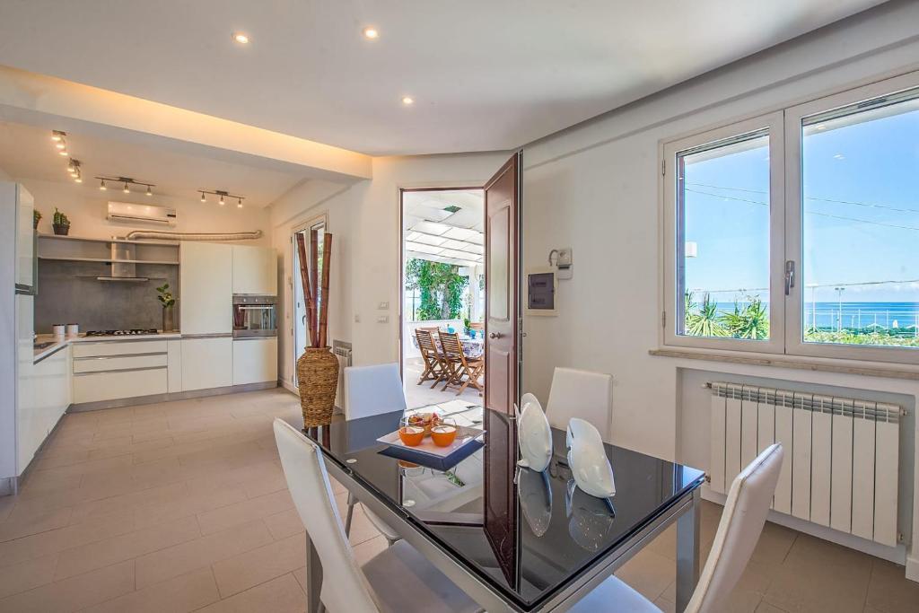 Tavoli Da Cucina Palermo.Villa Mondello Addaura Palermo Prezzi Aggiornati Per Il 2020