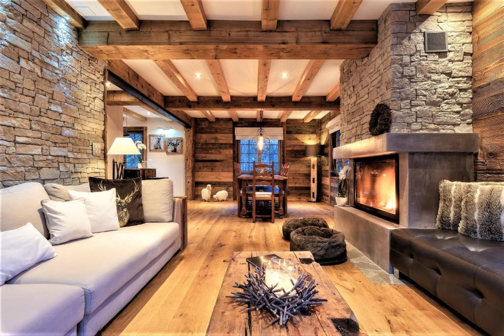 Chalet le Petou, Champéry, Switzerland - Booking.com on sumeer homes, samantha homes, bella homes, minnie homes, katie homes, victoria homes, rocky homes,