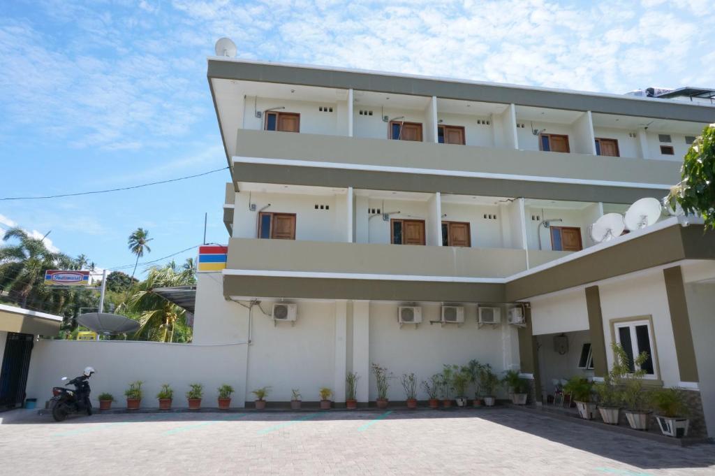Primaesa Residence Manado Indonesia Booking Com