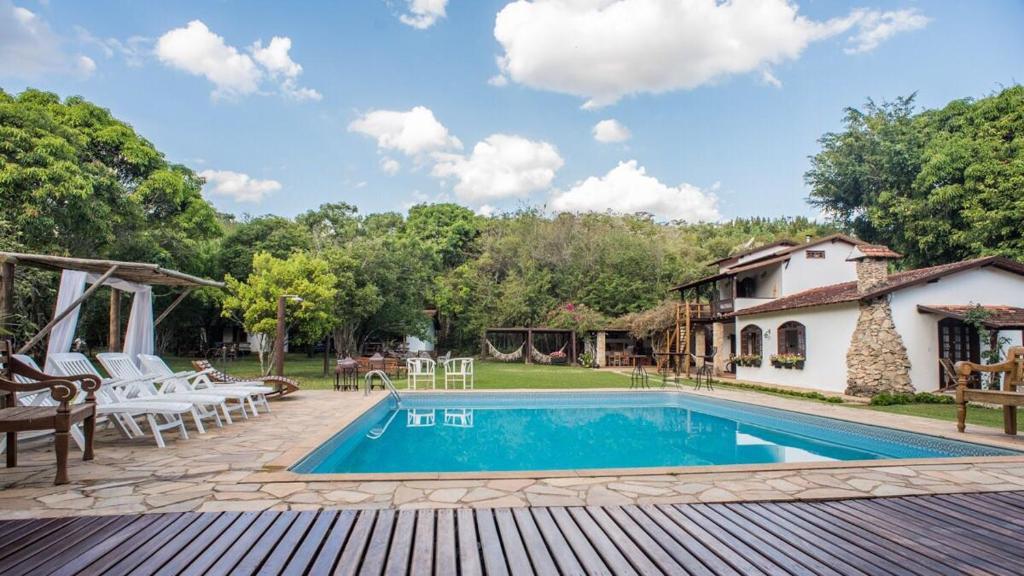 A piscina localizada em Pousada da Neneza ou nos arredores