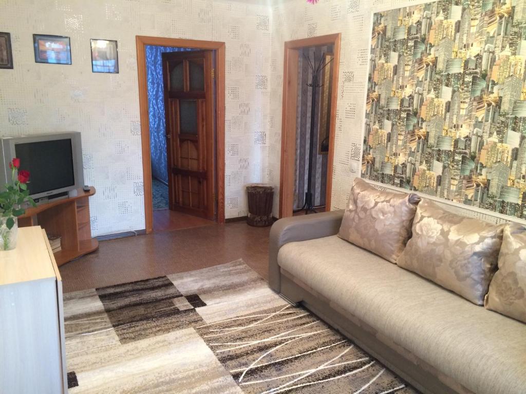 Гостиная зона в Apartment on Bratiev Zhdanovykh