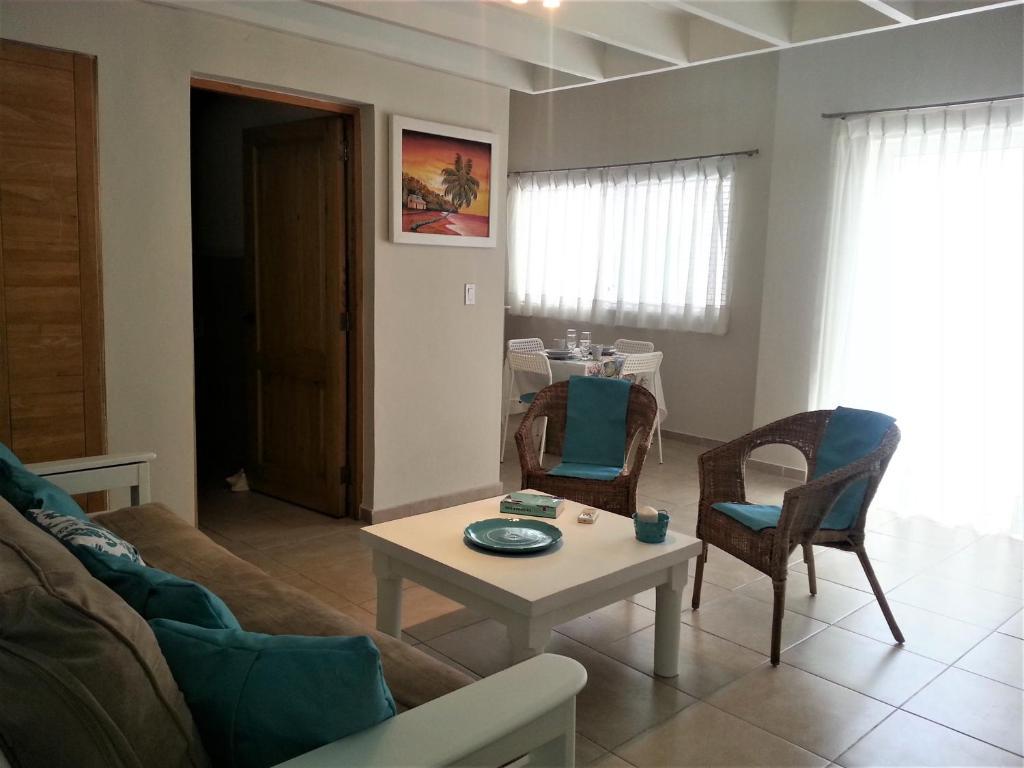 Cadaqués Caribe Formentera 115, Bayahibe – Prezzi aggiornati ...