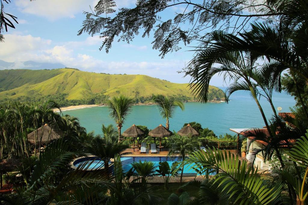 Uma vista da piscina em Ilha de Toque Toque Boutique Hotel & Spa ou nos arredores