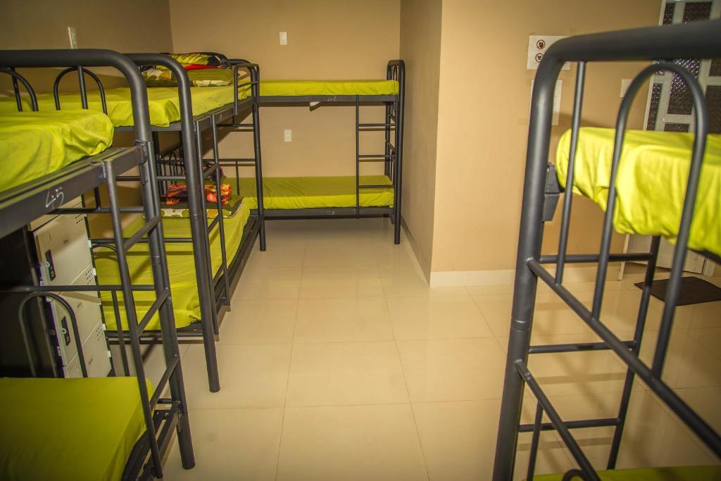 Giường Trong Phòng Nghỉ Tập Thể 8 Giường Cho Cả Nam Và Nữ
