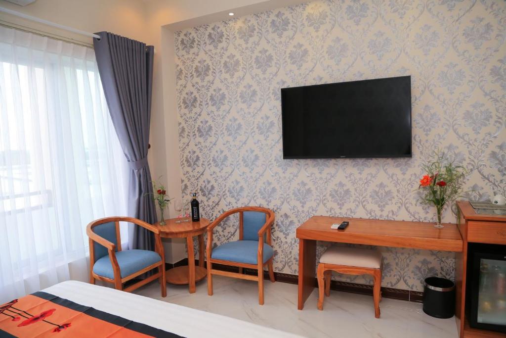 Phòng Premium Deluxe Giường Đôi Nhìn Ra Thành Phố