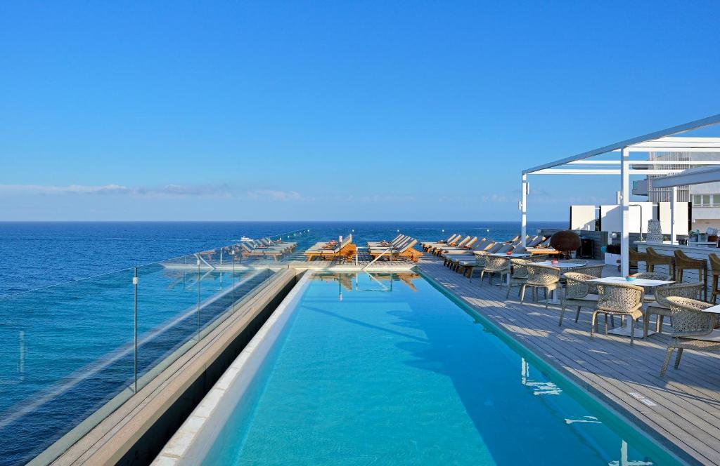 Piscina di Sol Beach House Ibiza - Adults Only o nelle vicinanze