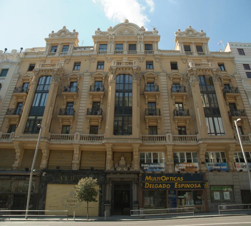 Hostal La Selecta, Madrid (with photos & reviews)   Booking.com