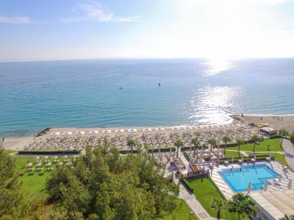 A bird's-eye view of Aegean Melathron Thalasso Spa Hotel