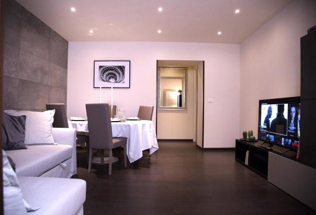 H-Aviva Giubbonari Apartment, Rome, Italy - Booking.com