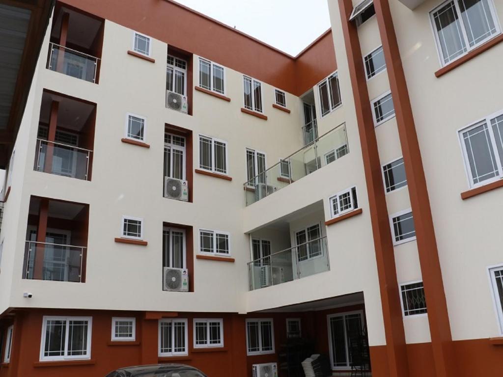 Accra site de rencontre est un âgé de 18 ans datant de 23 ans bizarre