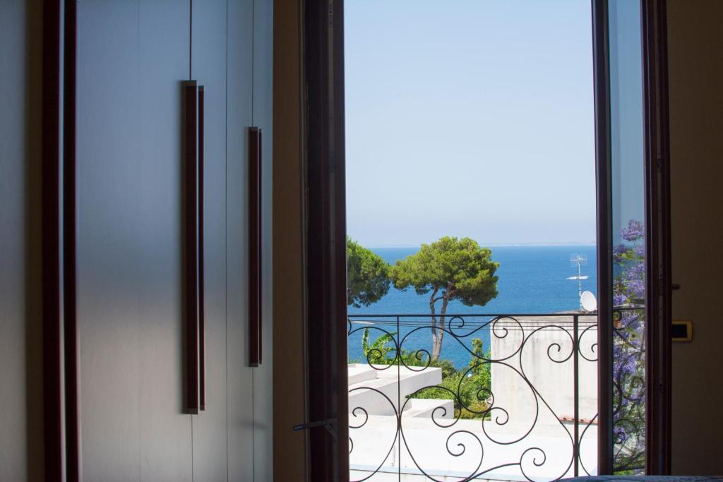 Casa Vacanze Ischia (Italia Casamicciola Terme) - Booking.com