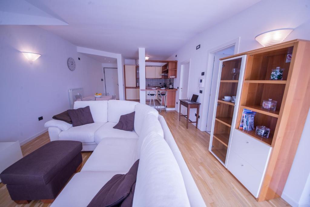 Blue Lake Apartment (Italien Riva del Garda) - Booking.com