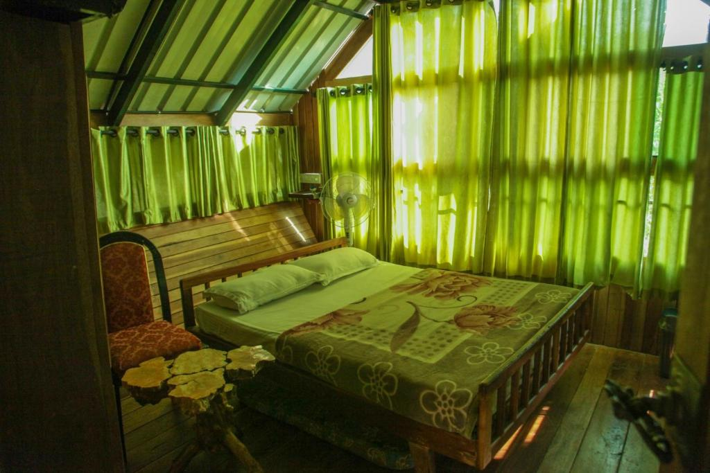 Tree House With A Green View In Wayanad By Guesthouser