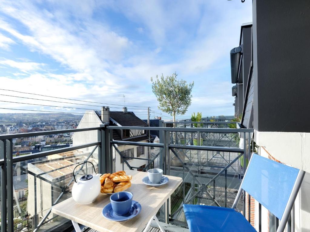 A balcony or terrace at Apartment Clos Savignac