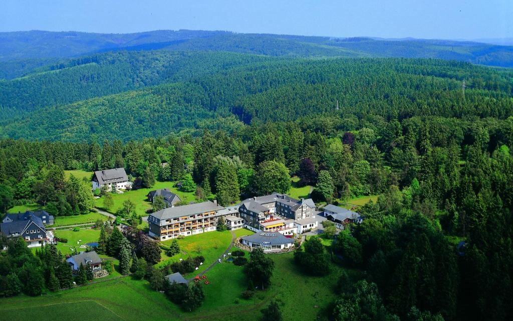 Blick auf Hotel Jagdhaus Wiese aus der Vogelperspektive