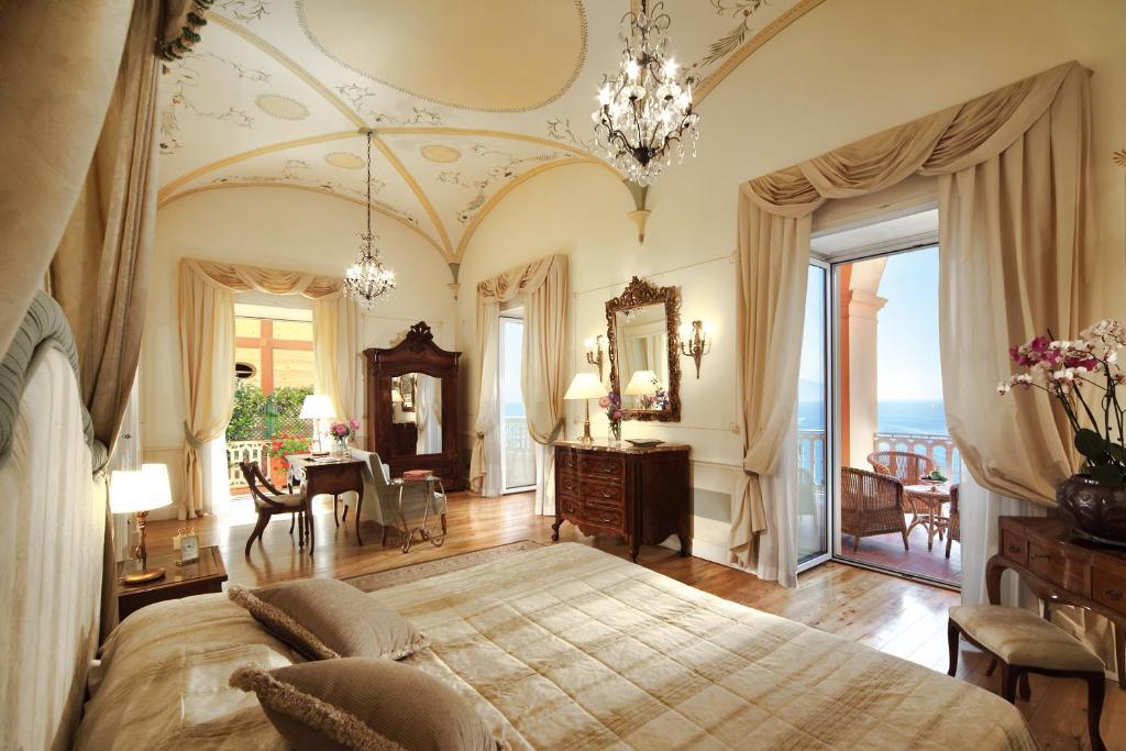 Hotel Grand Excelsior Vittoria Sorrento Italy Booking Com