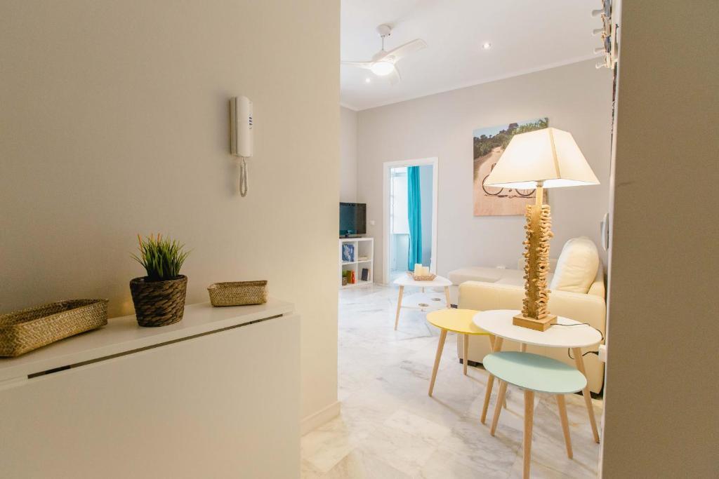 Apartamento La Casa del Almirante, Cádiz, Spain - Booking.com