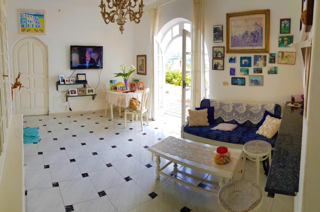 Casa vacanze Gina\'s Holiday House by holidayngo (Italia ...