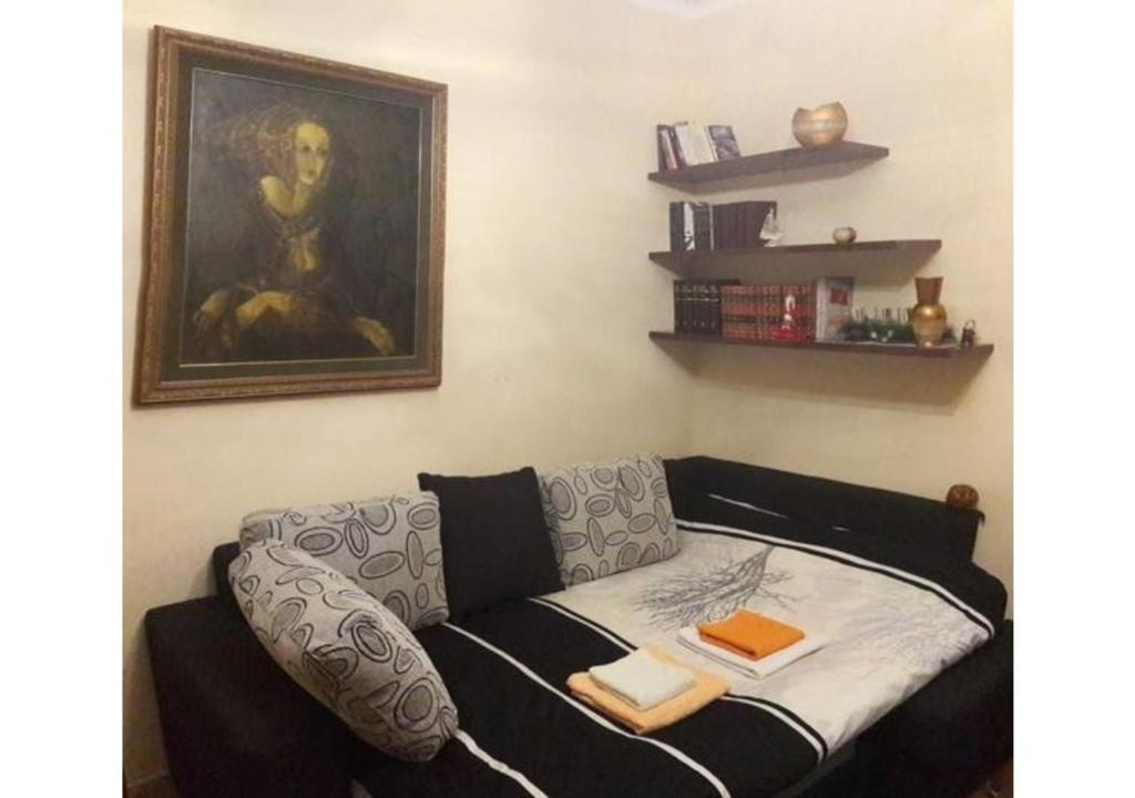 A seating area at Apartment Center