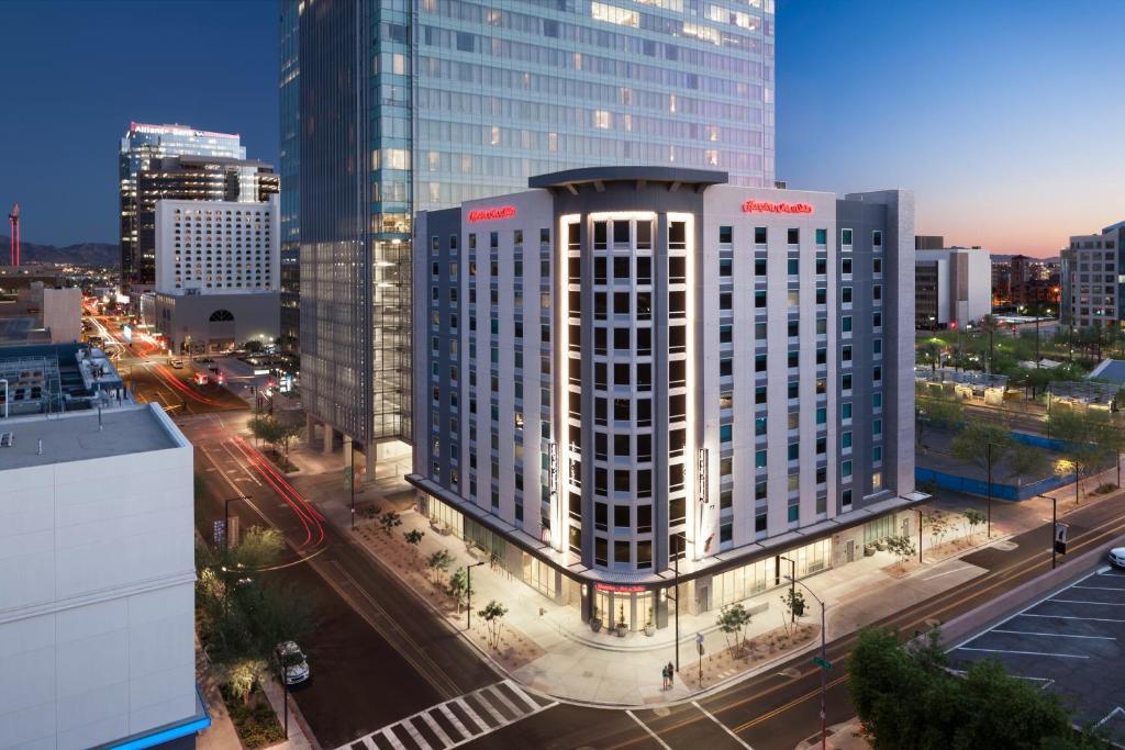 Hampton Inn Suites Phoenix Downtown