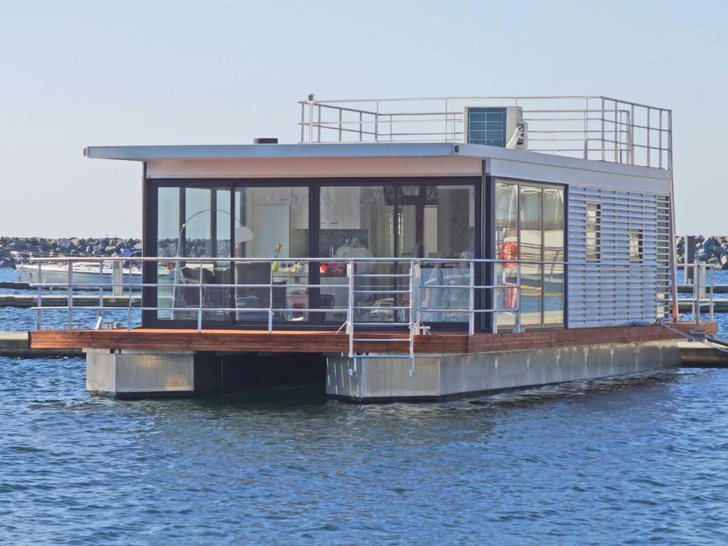 Das Gebäude in dem sich das Boot befindet