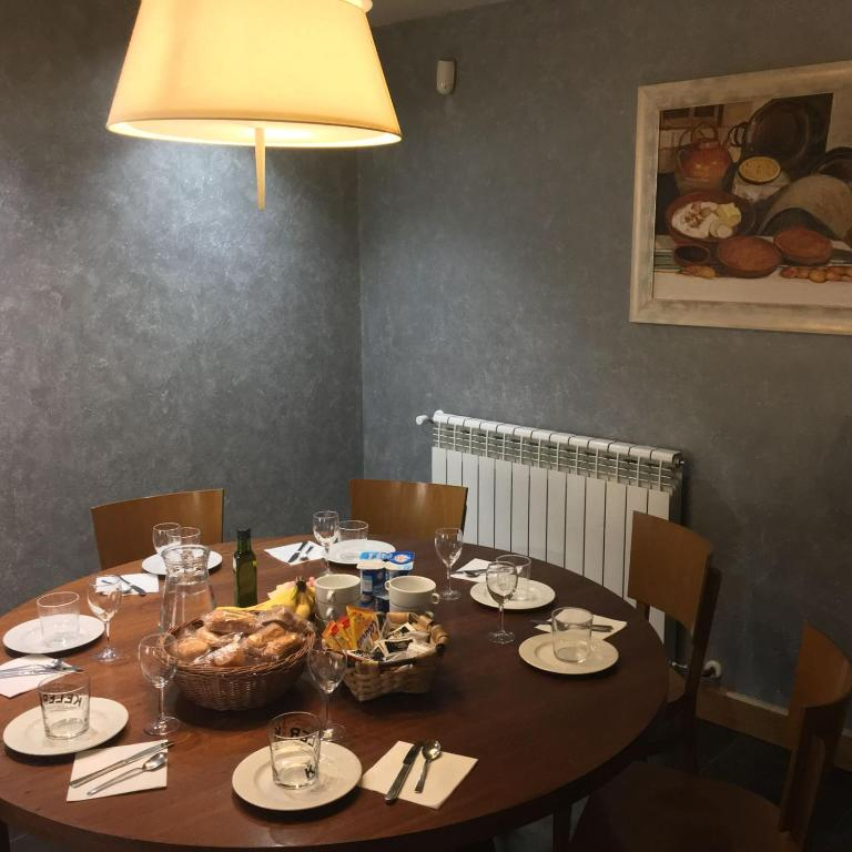 Hostal Rural Haizea, Espinal-Auzperri – Precios actualizados ...