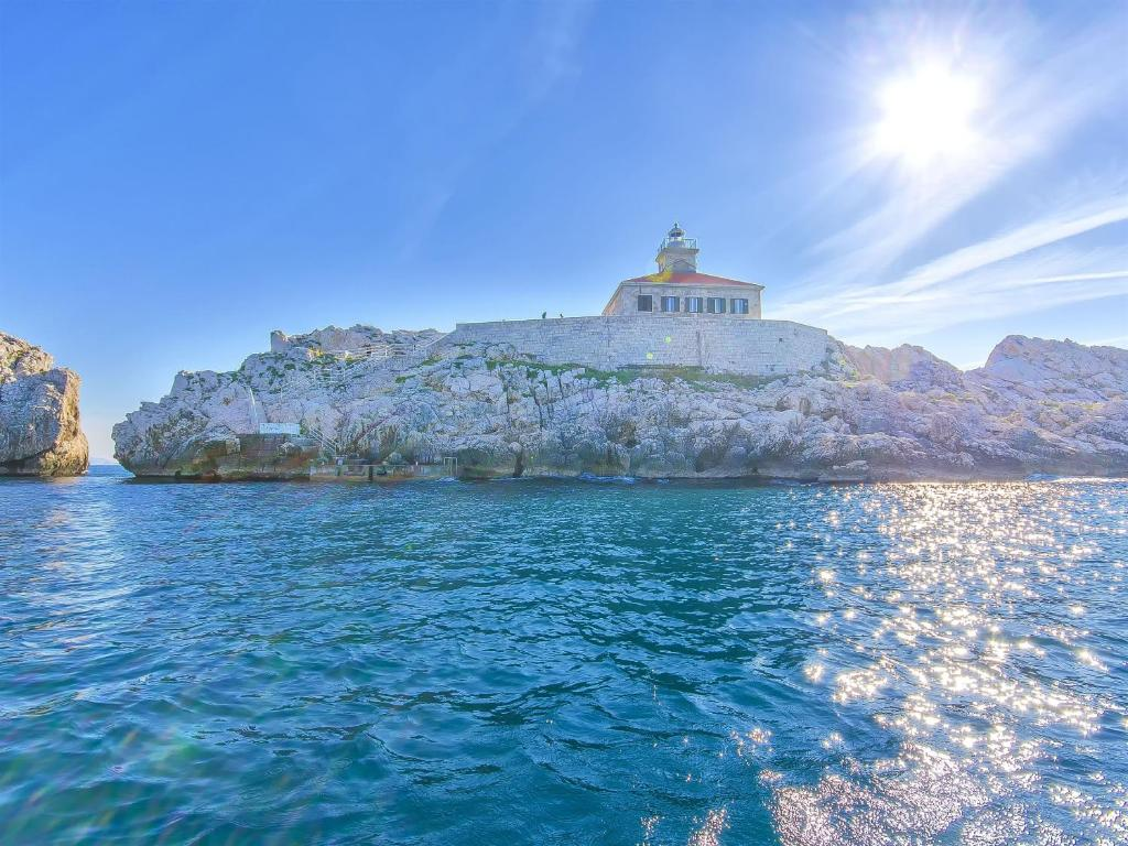 Lighthouse Greben