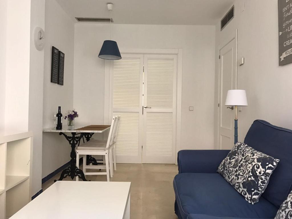 A seating area at CLB Apartamento Alameda