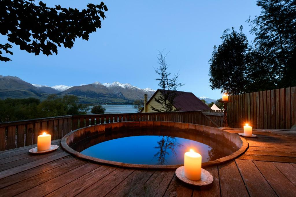 The swimming pool at or near Kinloch Lodge (YHA Glenorchy)